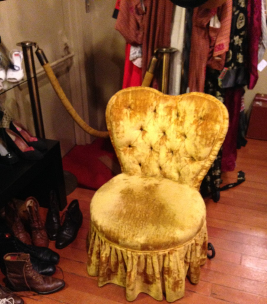 The chair was not for sale, unfortunately, though I might have had a hard time convincing my hubby to haul it back to Canada anyway!