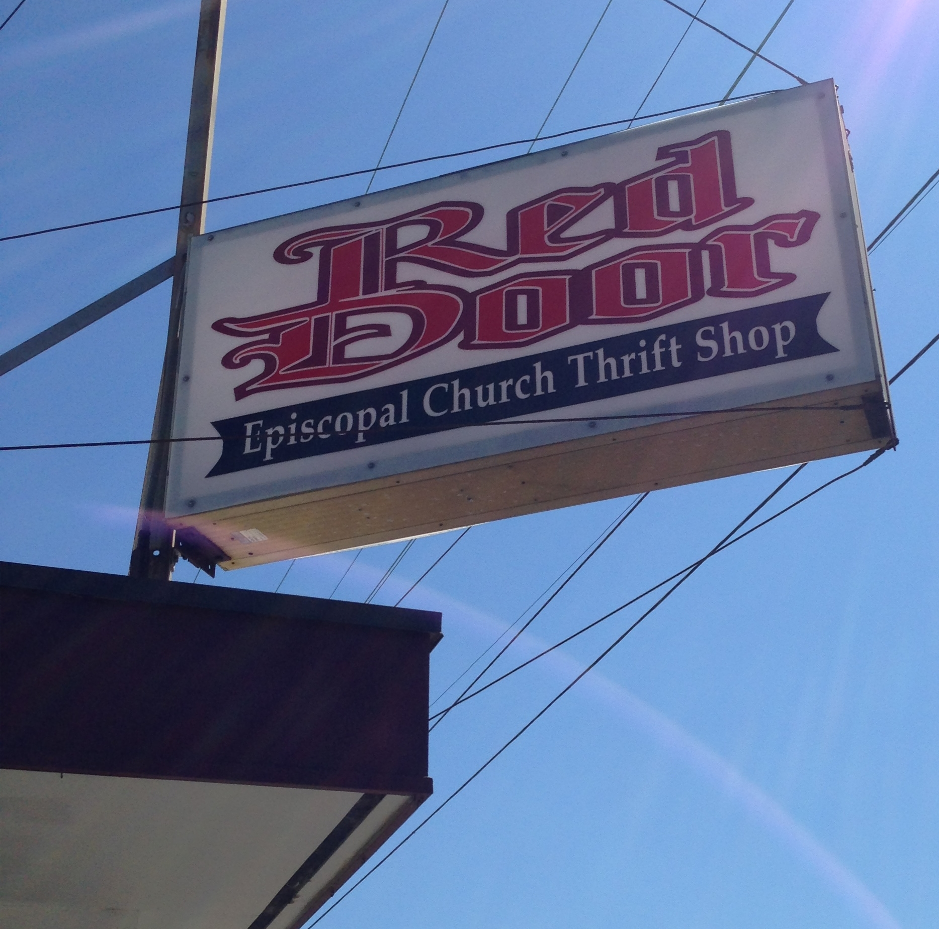 Red Door Corner Thrift Hours