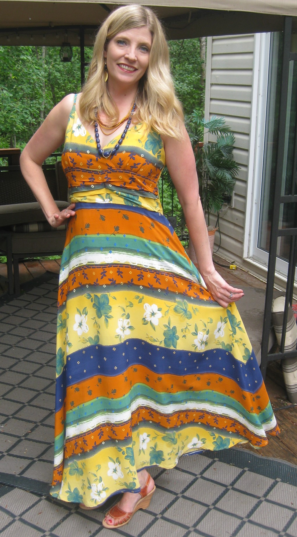Gorgeous Anthro-esque maxi dress for