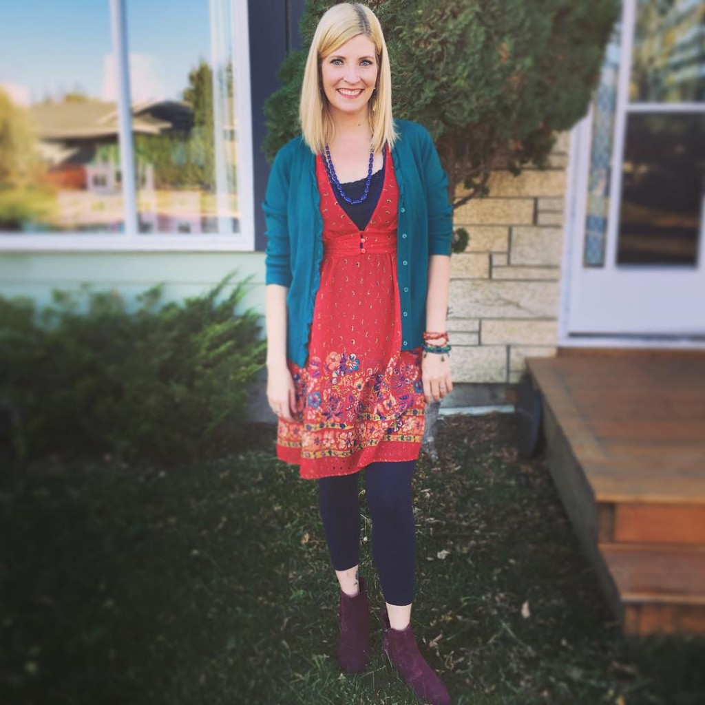 Here's an outfit from my wild times in Saskatoon last weekend... Kimchi & Blue dress $5.60, teal cardi $4.90, suede boots in a shocking #mixnotmatch burgundy $11.90 plus leggings and accessories from my collection.