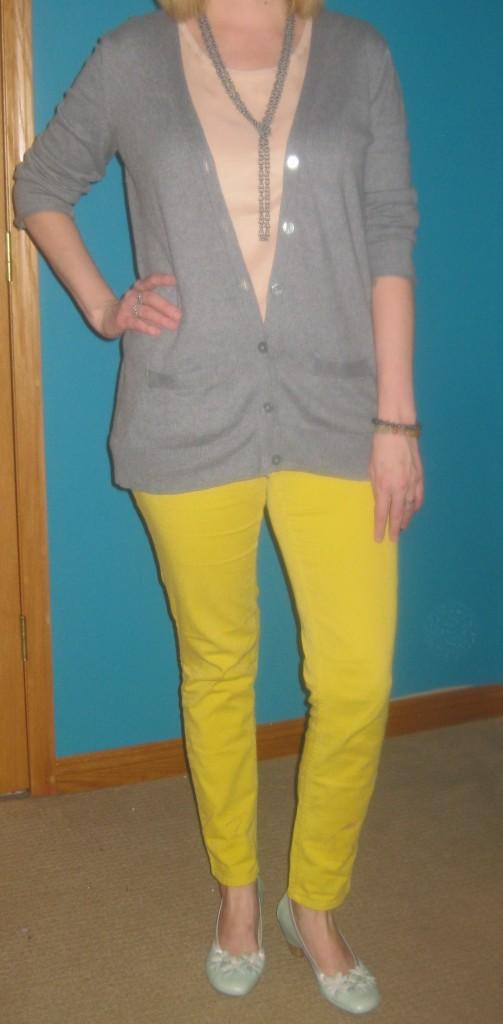 yellowpantsoutfit