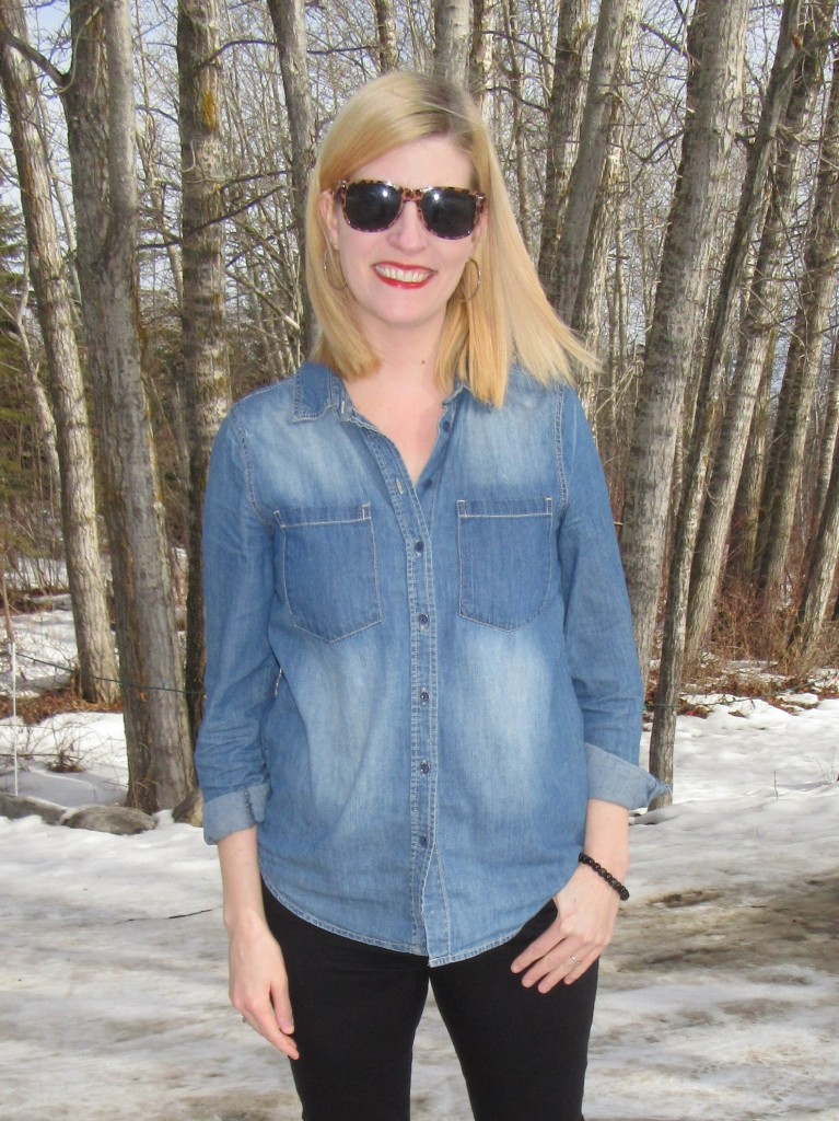 I love chambray with a pencil skirt too, but this is easy classic style for the weekend!