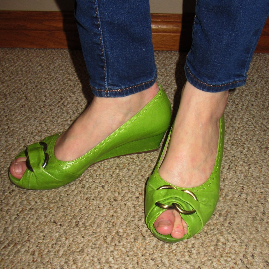 My big sis, Shannon, found these GORGEOUS Miz Mooz peep toe leather wedges for me for $18!!  Bestill my heart.