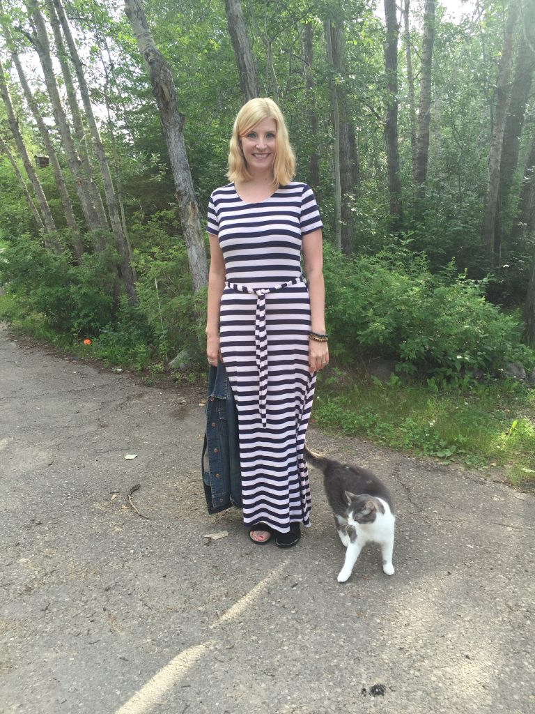 Obviously this dress would look great with any necklace or a scarf, but today I chose to accessorize with a cat.