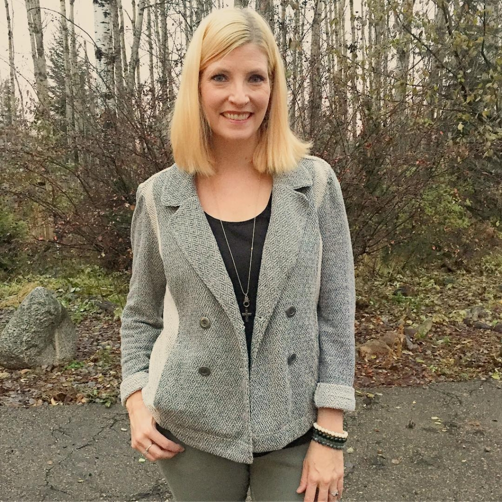 "Here's another look at my latest purchase: a $7 @saturdaysunday_ knit ""blazer"" that is so comfy and easy to wear!  I have a secret to share about on the blog, hopefully in a couple hours!  Stay tuned!"