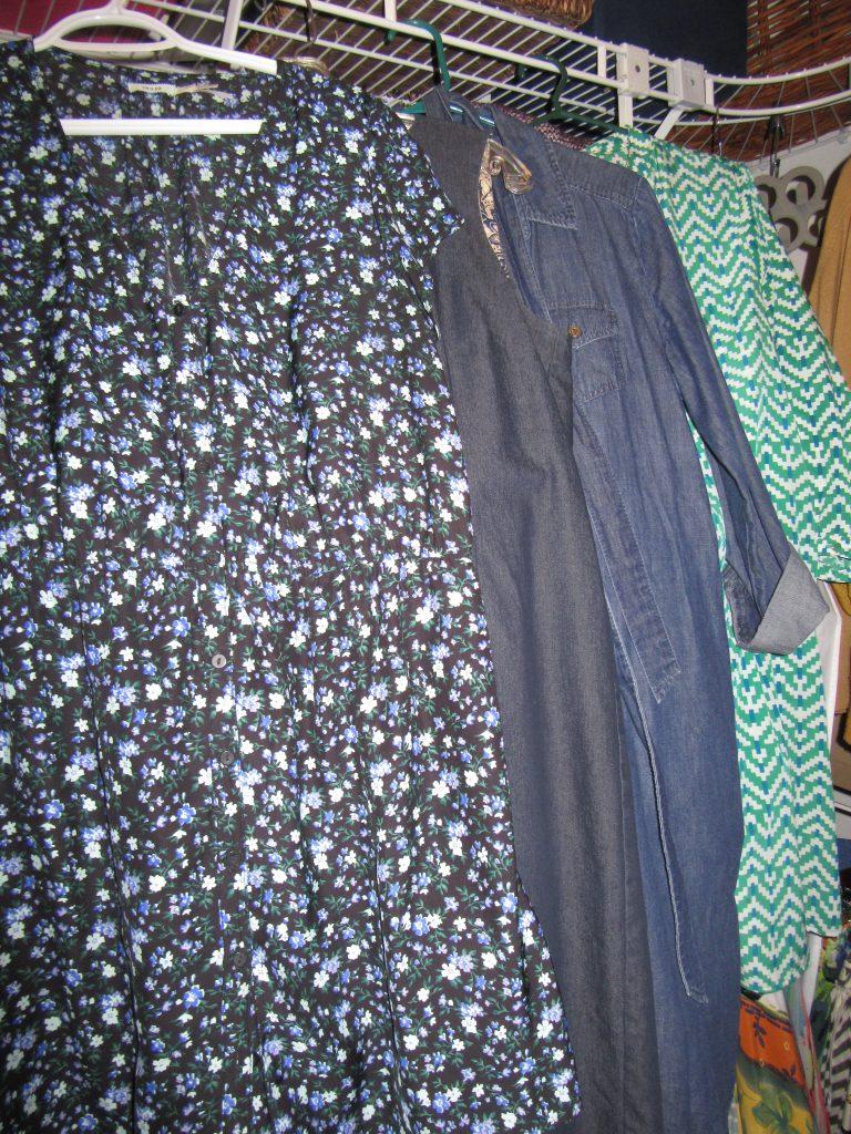 5 blue-ish dresses...