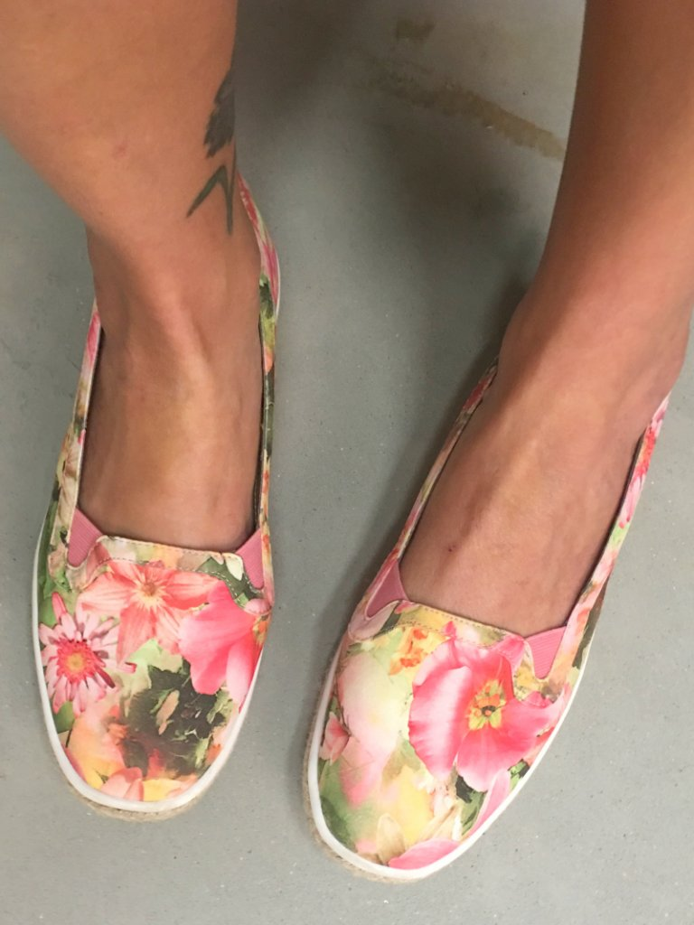 Thrifting in Alabama floral shoes